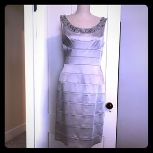 Dresses & Skirts - Fun, easy to wear party dress Cache